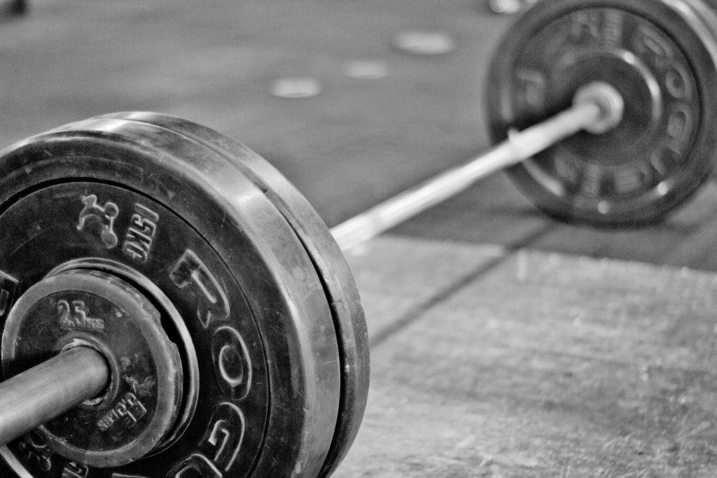 Het volgen van een weightlifting schema
